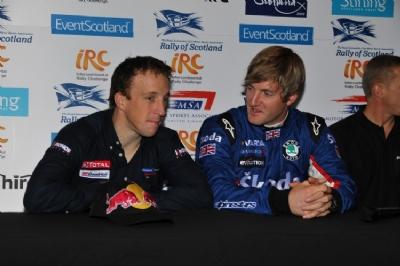 Крис Мике и Гай Уилкс на конференции после Ралли Шотландии 2009 года