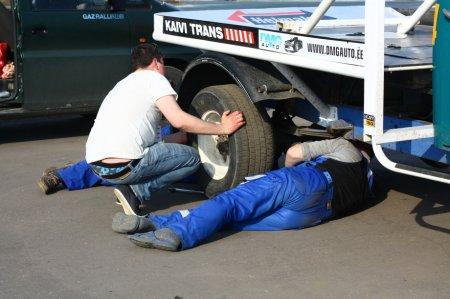 Подготовка раллийного автомобиля