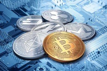 Стоит ли вкладыватся в биткоин?